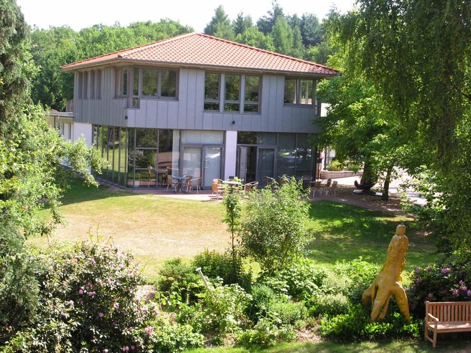 Das ayeq-benu Gebäude auf dem FloraFarm Gelände.