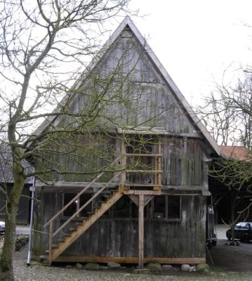 Historischer Treppenspeicher auf der FloraFarm.