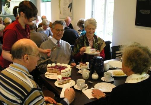 Kuchengenuss im Ginseng-Cafe von FloraFarm Ginseng
