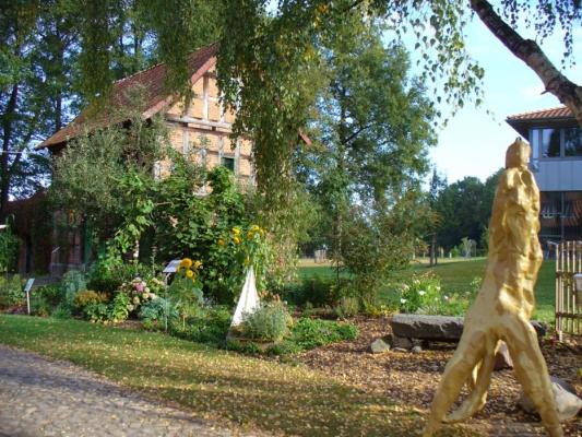 Loki Schmidt Beet auf dem Gelände von FloraFarm Ginseng.