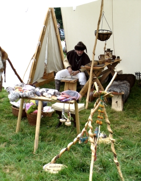 Mittelalterliche Handwerkskunst auf der FloraFarm